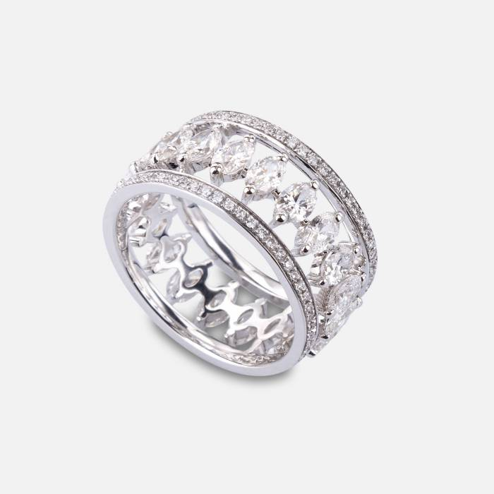 Openwork band ring